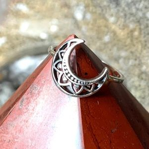 Jewelry - 🌹NWT Sterling silver crescent moon mandala ring